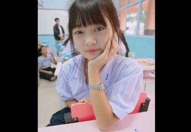 «無修正»メチャクチャ清純っぽい美少女JKのモザ無しオナニーしている自撮り動画がネットに流出してクラスメート騒然wwww