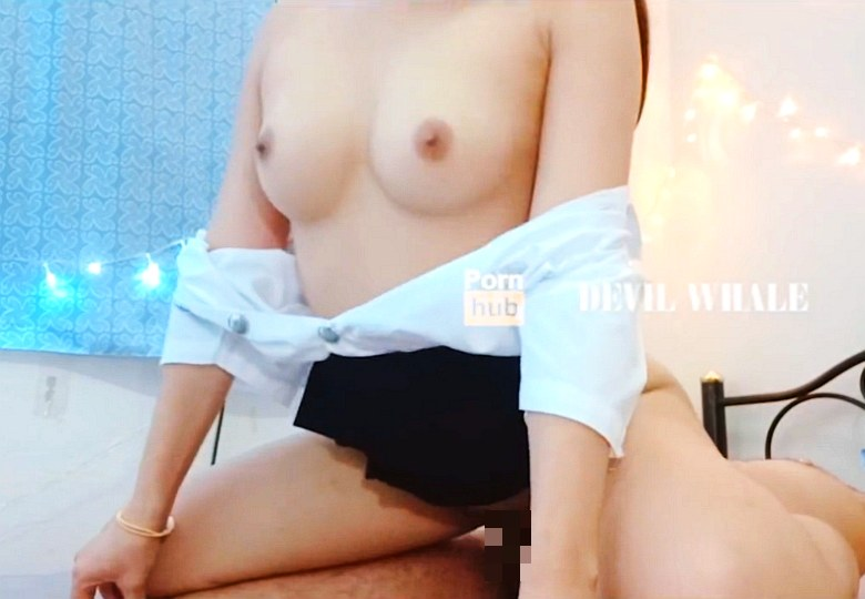 Thai Students have Sex with Friends Themselves.[ นศ.ไทยขย่มควยเพื่อนเเฟน เย็ดสดเเตกในน้ำเต็มรูหี ]